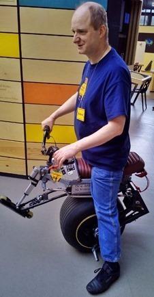 Self-balancing one wheel vehicle