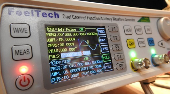 Feeltech Waveform Generator